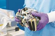 Der Aktuator wird in Zürich entwickelt und hergestellt. Er steuert die Sonnensegel der Galileo-Satelliten. Bild: PD