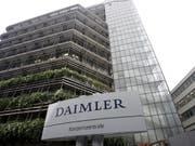 Hohe Sonderkosten haben das Ergebnis von Daimler belastet. (Bild: KEYSTONE/AP/Daniel Maurer)
