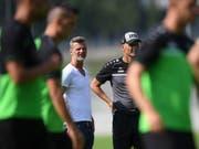 St. Gallens Sportchef Alain Sutter (links) und Trainer Peter Zeidler schielen Richtung Europa (Bild: KEYSTONE/GIAN EHRENZELLER)