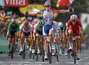 Triumphiert in der 18. Etappe: Arnaud Démare. (Bild: Kim Ludbrook/EPA (Pau, 26. Juli 2018))