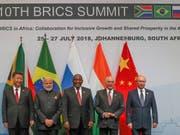 Die Staatschefs Brasiliens, Russlands, Indiens, Chinas und Südafrikas haben an ihrem Gipfel Johannesburg die Einhaltung globaler Handelsregeln gefordert. (Bild: KEYSTONE/EPA REUTERS POOL/MIKE HUTCHINGS / POOL)