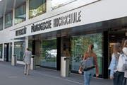 Mehr Studierende und Mitarbeiter an Schweizer Hochschulen. Im Bild: Die Uni Luzern. (Bild: Corinne Glanzmann, Luzern, 9. September 2016)