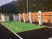 Die E-Tankestellen auf der Gotthard-Raststätte A2 Uri. (Bild: PD)
