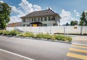 Abgesperrt: das ehemalige Restaurant Obstgarten am Spitalkreisel. (Bild: Andrea Stalder)