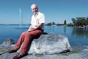 Peter Silberschmidt am Zugersee. Der 77-Jährige ist noch voller Tatendrang. (Bild: Werner Schelbert (Zug, 26. Juli 2018))