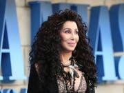 Die Sängerin und Schauspielerin Cher erhält im Dezember eine Auszeichnung des Kennedy Centers. Ob Präsident Donald Trump wie letztes Jahr - entgegen der Tradition - dem Anlass fern bleibt, wird sich zeigen. (Bild: Keystone/EPA/ISABEL INFANTES)