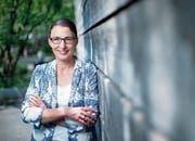 Aufräumen fällt ihr leicht: Autorin Jutta Klein aus Baar. (Bild: Stefan Kaiser (Zug, 25. Juli 2018))