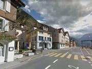 Gotthardstrasse in Erstfeld: Hier hat die Polizei am Samstag eine Person tot aufgefunden. (Bild: Google Maps)