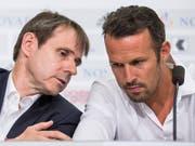 Der nächste Schuss muss sitzen: FCB-Präsident Bernhard Burgener und Sportchef Marco Streller beraten sich (Bild: KEYSTONE/ALEXANDRA WEY)