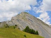 Der Gleitschirmpilot verunglückte unterhalb des Gipfels am Pra Roua bei Sitten VS. (Bild: Kantonspolizei Wallis)