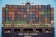 Um 4,1 Prozent wuchs das Bruttoinlandprodukt der USA im zweiten Quartal im Vergleich zum ersten. Im Bild ein Containerschiff vor Oakland, Kalifornien. (Bild: David Paul Morris/Bloomberg (3. Juli 2018))