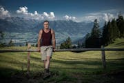 Der 21-jährige Kernser Stefan Ettlin auf seiner Alp am Pilatus. (Bild: Pius Amrein (Alpnach, 26. Juli 2018))
