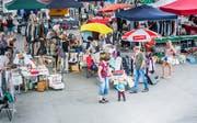 Fröhliches Gewusel auf dem Weinfelder Marktplatz beim Flohmarkt. (Bild: Andrea Stalder)