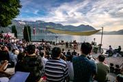 In Gersau ergänzten Musik und Landschaft sich gegenseitig zu gemeinsamer Pracht. (Bild: Philipp Schmidli, 28. Juli 2018)