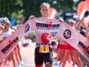 Jan van Berkel feiert den grössten Sieg seiner Karriere (Bild: KEYSTONE/MELANIE DUCHENE)