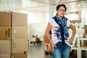 Räumen statt Kleider verkaufen: Rosa Ziegler an einem ihrer letzten Arbeitstage in der OVS-Filiale in Emmen. (Bild: Philipp Schmidli, Emmen, 24. Juli 2018)