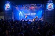 Damian Lynn lieferte mit «Feel the Heat» den WM-Song des Schweizer Fernsehens. Heiss war es auch in Bütschwil. (Bild: PD)