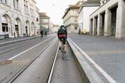 Bei der Veloinfrastruktur soll der Bund künftig eine Koordinationsrolle einnehmen. (Bild: Christian Beutler/Keystone)