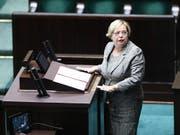 Polens oberste Richterin Malgorzata Gersdorf will nicht den Hut nehmen. Sie sprach von einer «Säuberung» am Obersten Gericht durch die nationalkonservative Regierung. (Bild: KEYSTONE/EPA PAP/LESZEK SZYMANSKI)