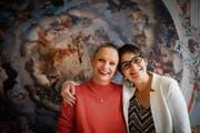 Zwei von drei Reformanzen: Die evangelischen Pfarrerinnen Andrea Weinhold (links) und Kathrin Bolt. (Bild: Benjamin Manser)