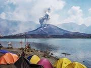Der Vulkan Rinjani im Osten der indonesischen Insel Lombok. (Bild: KEYSTONE/EPA/STR)