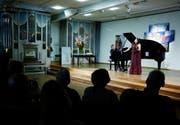 Sommerklänge: Sopran Andrea Brown und Pianist Benjamin Engeli in der Kapelle des Zentrum Ländli. (Bild: Stefan Kaiser (Zug, 30. Juli 2018))