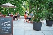 Das Stadtpark-Café des Historischen und Völkerkundemuseums auf der Terrasse rechts, neben dem Haupteingang. (Bild: PD)