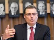 Kann in der ersten Jahreshälfte 2018 einen Gewinn präsentieren: SNB-Chef Thomas Jordan (Archivbild). (Bild: KEYSTONE/GAETAN BALLY)