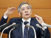 Für den japanischen Nationalbankchef Haruhiko Kuroda ist klar: die Geldpolitik des Landes bleibt ultralocker (Archivbild). (Bild: KEYSTONE/AP Kyodo News/KAZUSHIGE FUJIKAKE)