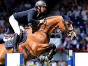 Steve Guerdat mit seinem Spitzenpferd Bianca (Bild: KEYSTONE/EPA/SASCHA STEINBACH)