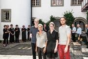 Das Klanghalt-Team (v.l.): Norbert Schmuck, Ruth Falk, Imelda Natter und Lukas Gugger im Kreuzgang von St.Katharinen. (Bild: Sabrina Stübi)