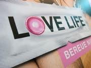 Das Bundesamt für Gesundheit präsentierte die Kampagne «LOVE LIFE - Bereue Nichts» im Mai 2014. Jetzt hat das Bundesgericht eine Beschwerde dagegen abgewiesen. (Bild: KEYSTONE/MARCEL BIERI)