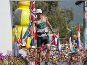 Der letztjährige Ironman-WM-Zweite Lionel Sanders aus Kanada (im Bild) wurde schon so oft angefahren, dass er nur noch auf der Rolle seine Radeinheiten absolviert (Bild: KEYSTONE/FRE132414 AP/MARCO GARCIA)