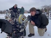 Das Filmfestival Locarno zeichnet den Grafik-Designer und Regisseur Kyle Cooper (r) aus. Er schuf über 350 Eröffnungssequenzen, einige davon - beispielsweise die von «Seven» (1995) - sind bis heute stilbildend. (Foto imdb) (Bild: Foto imdb)