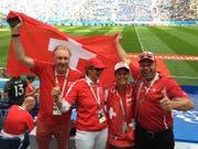 Roman Müller (ganz rechts), seine Frau Jolanda (links von ihm) gemeinsam mit ihren Freunden Claudia Dalla Palma und Urs Vogt im Sankt-Petersburg-Stadion.(Bild: PD)