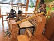 Im spielzeugfreien Kindergarten werden die Kinder erfinderisch und bauen sich gemeinsam, was sie brauchen. (Bild: PD)
