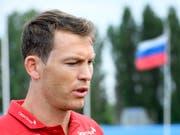 Captain Stephan Lichtsteiner will sich gut überlegen und auch die Familie zu Rate ziehen, ob er im Nationalteam weiter mitmacht oder nicht. Tendenz sei aber eher ja. (Bild: KEYSTONE/LAURENT GILLIERON)
