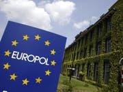 Der europäischen Polizeibehörde Europol ist ein Schlag gegen den illegalen Handel mit antiken Gegenständen gelungen. 25'000 Objekte wurden in vier Ländern beschlagnahmt. (Bild: KEYSTONE/EPA ANP/KOEN SUYK)