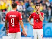 Granit Xhaka (rechts) erfüllte die hohen Erwartungen an der WM nicht - auch Haris Seferovic gehört zu den Verlierern (Bild: KEYSTONE/LAURENT GILLIERON)