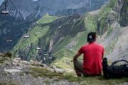 Blick auf den Sessellift welcher vom Rothorn zum Eisee führt. Die Bergbahnen Sörenberg gehen nun über die Bücher. (Bild: Pius Amrein, 3. August 2017)