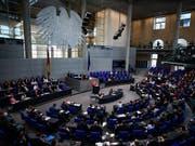 Deutsche Parlamentarier sind laut einem Zeitungsbericht im Visier von chinesischen Geheimagenten. (Bild: KEYSTONE/EPA/CLEMENS BILAN)