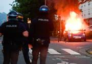 Beamte der Bereitschaftspolizei beim Einsatz in Nantes. (Franck Dubray/AP, 3. Juli 2018)