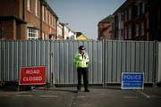 Eine Polizistin überwacht ein Sperrgebiet in Salisbury. (AP Photo/Matt Dunham/AP; 5. Juli 2018)