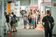 Immer begehrter: Jugendliche an der Ostschweizer Bildungsmesse in St.Gallen. (Bild: Benjamin Manser, 1. September 2016)