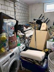 Die Mieter haben sich aus dem Staub gemacht, doch diesen Müll liessen sie in der Wohnung zurück. (Bild: PD)