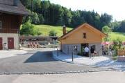 Beim Wiederaufbau wurde darauf geachtet, dass der traditionelle Stil, der die Hofsiedlung prägt, beibehalten wird.