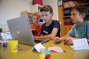 Buochser Schüler an der Arbeit während einer Projektwoche. (Bild: Corinne Glanzmann (30. Mai 2018))