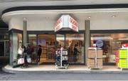 In diesem Ladenlokal an der Grendelstrasse 19 wird Casagrande ein Souvenir- und Uhrengeschäft eröffnen. (Bild: Roman Hodel (Luzern, 6. Juli 2018))