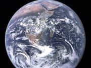 Die 17 nachhaltigen Ziele der Agenda 2030 sollen die Zukunft der Menschheit auf dem Planeten Erde sichern helfen. (Bild: KEYSTONE/AP NASA)