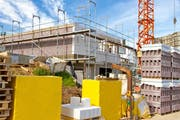 Die Bautätigkeit ist im Toggenburg weiterhin stark. (Bild: Fotolia)